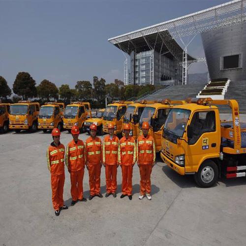 北京24小时汽车道路救援拖车